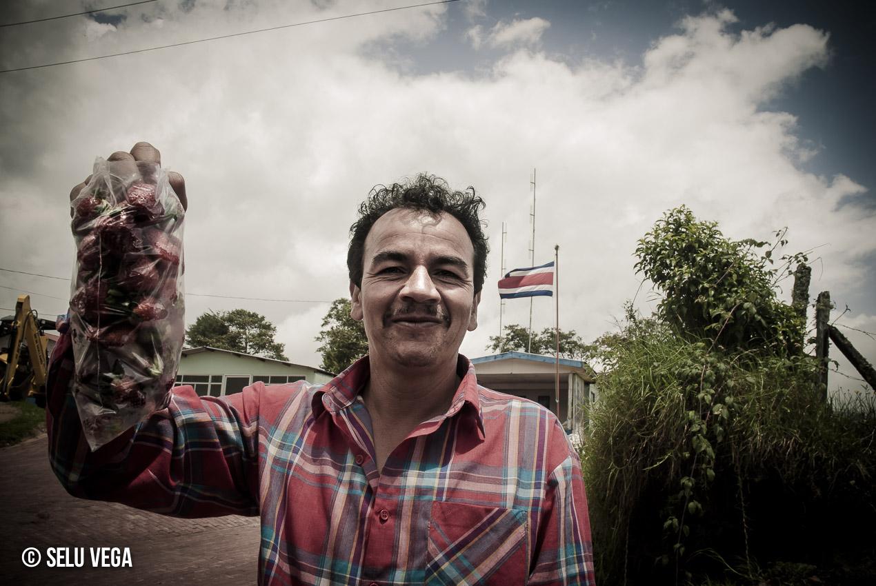 Visiónes de Costa Rica Humanos con un par de detalles